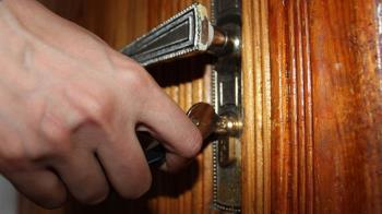 工程師尪偷吃同事妻!她靠鑰匙抓猴 開門崩潰
