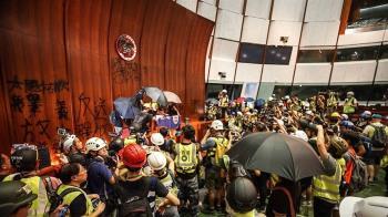 英:聯合聲明非歷史文件 香港因自由而特別