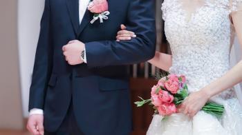 婚禮致詞還原「人生階段」逼哭網友 結局神反轉