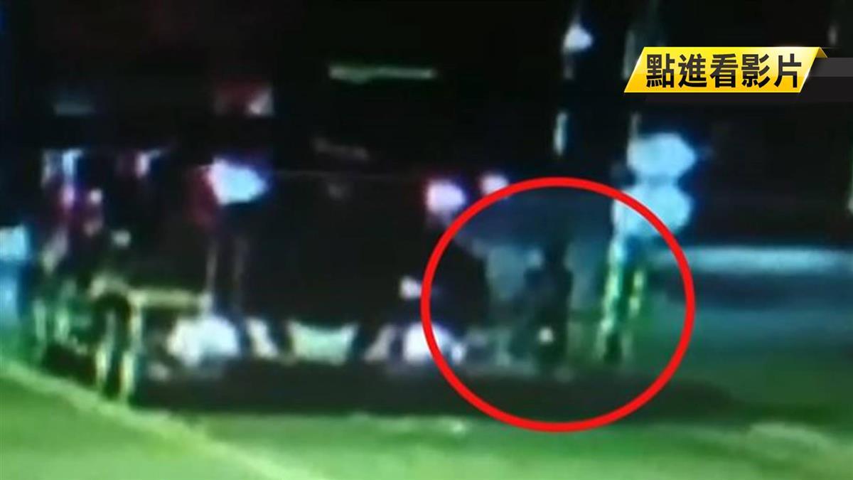 水泥車輾2次!30歲女爆頭亡 夫坐安全島痛哭
