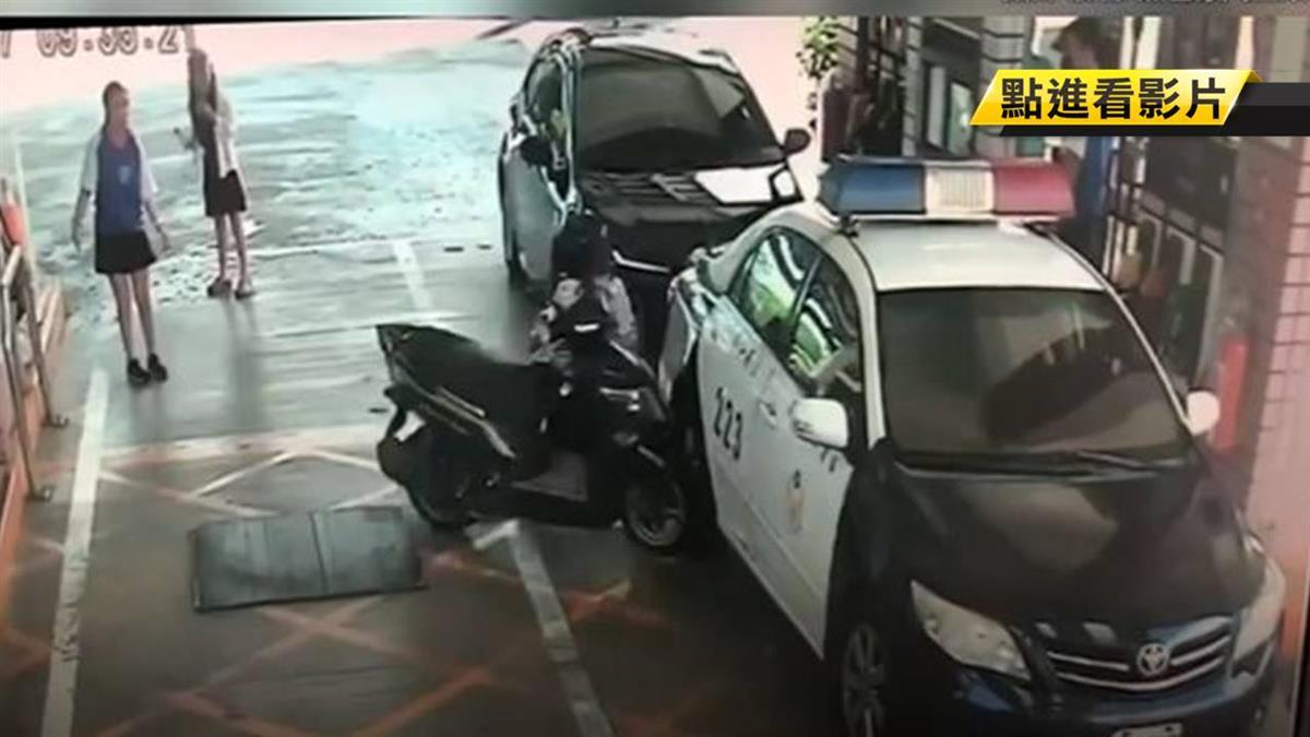 加油沒熄火!新手騎士誤催油門直撞警車