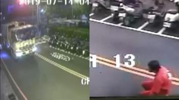 撞擊畫面曝!垃圾車輾斃7旬婦 駕駛癱軟跪地