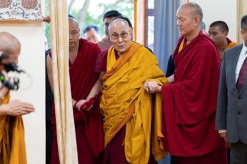 達賴喇嘛2025年決定是否轉世:不由大陸決定
