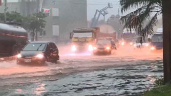 豪雨轟炸南台灣!疾管署3提醒防傳染病上身