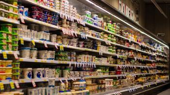 藏10年!超市冰箱驚見陳年屍骨 卡45cm縫隙慘死