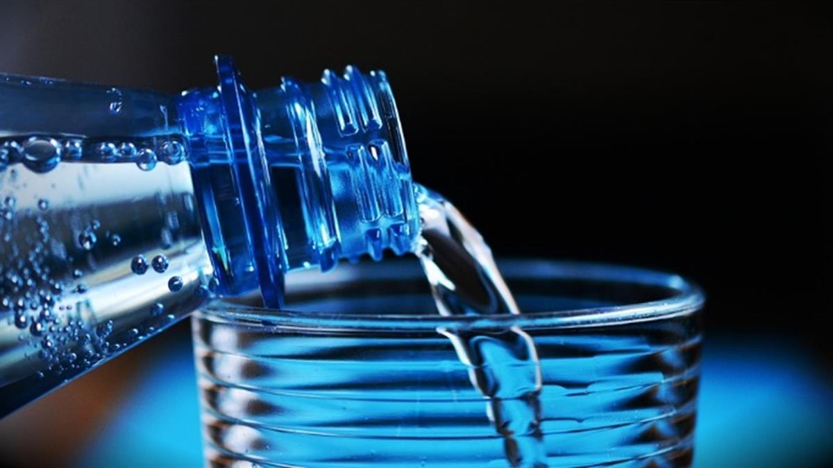 飲用水遭汙染?法國將追查假新聞來源