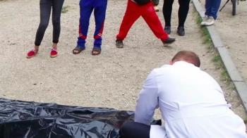 10歲兒打球沒回家!母開社區群組 驚見焦屍照