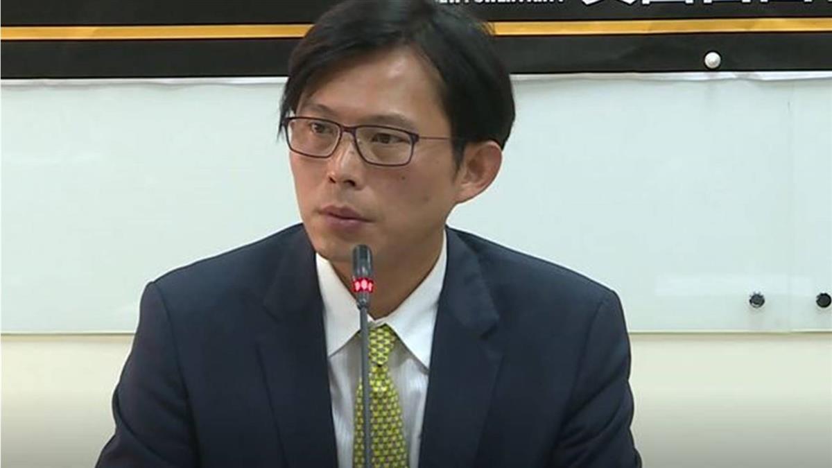 走私菸品案 黃國昌:5部貨車是總統府的