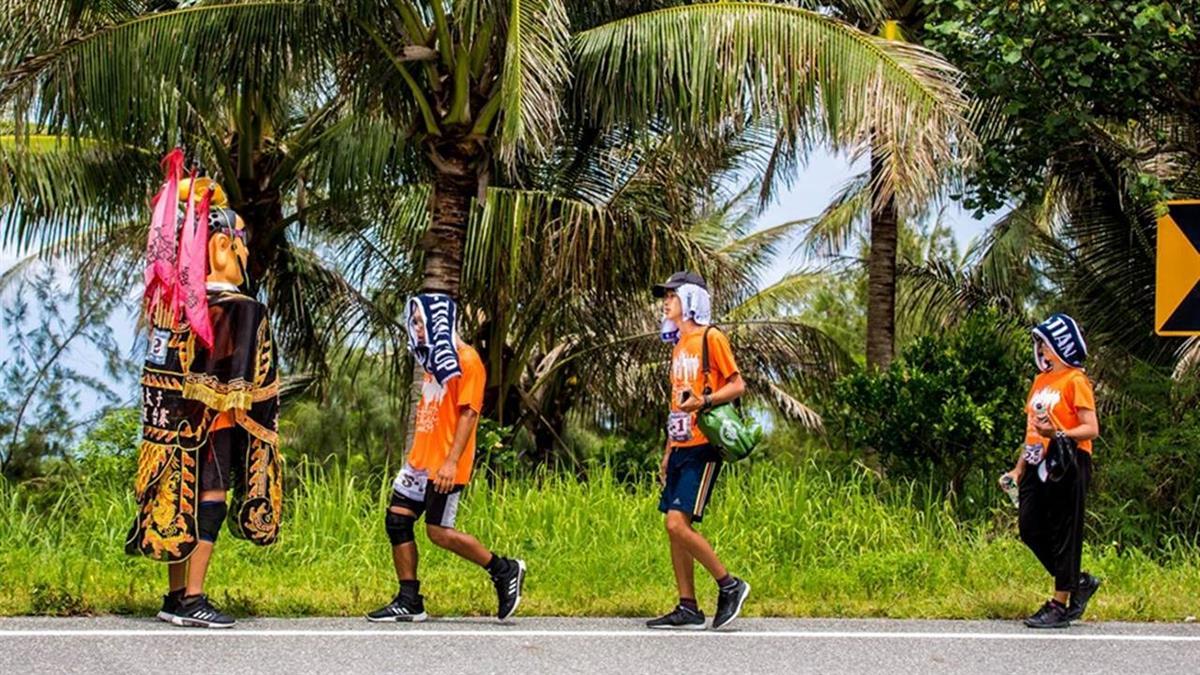 扛10kg三太子環島!9勇士徒步完勝1035公里賽程