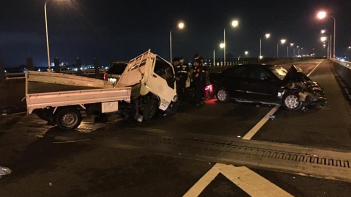 朴子爆嚴重車禍!4車連環撞 1人雙腳遭截斷