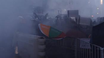 衝突6小時街頭如戰場  港警清場發射百枚催淚彈