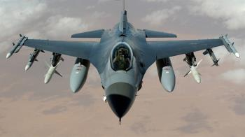 美戰鬥機墜加州沙漠 飛行員生死未卜