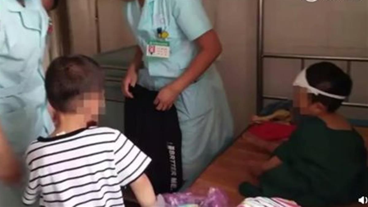 父母斷氣…妹無助崩潰 6歲哥忍淚安慰:別哭