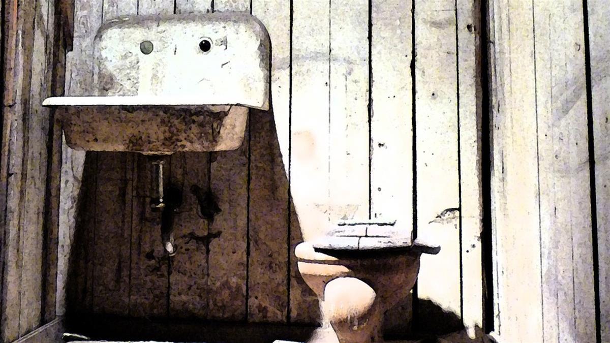猥褻女童引公憤!男牢內慘遭私刑…淹死在馬桶