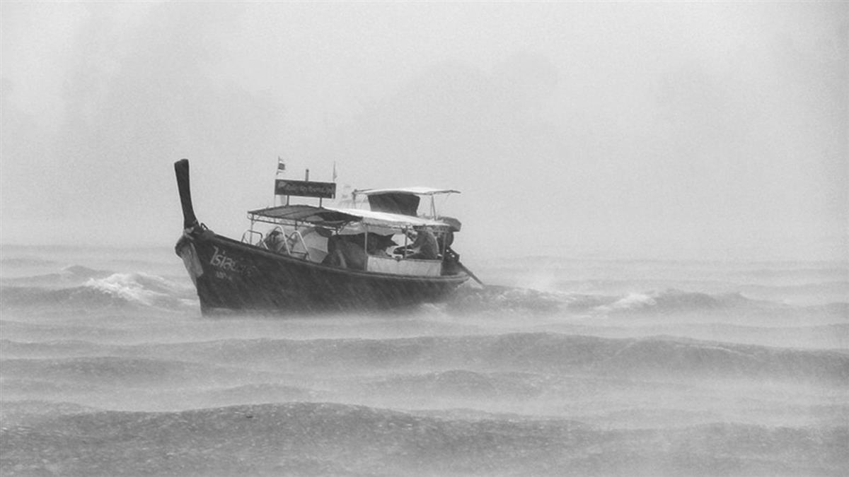 菲律賓中部傳渡船翻覆 死亡數攀升至31人