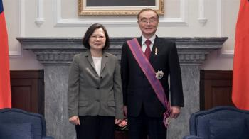 行政院宣布 退輔會主委由馮世寬接任