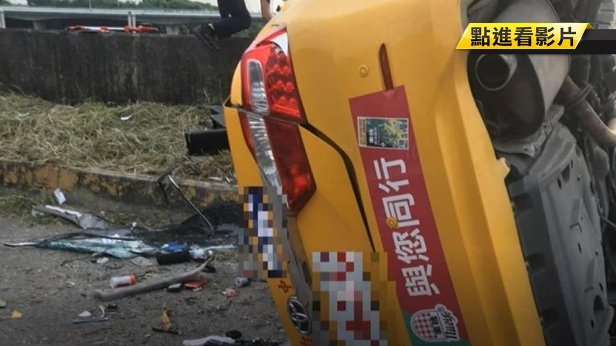 計程車失控撞電線桿 駕駛、乘客皆不治