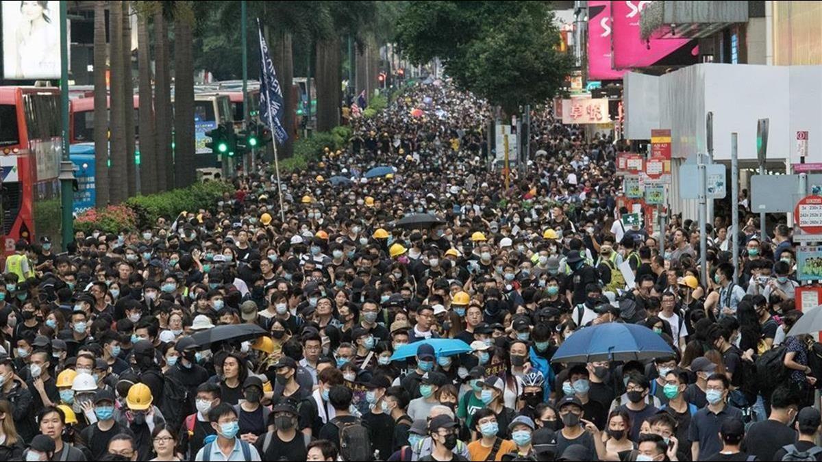 國際金融中心地位不保?香港匯豐大砍4千人