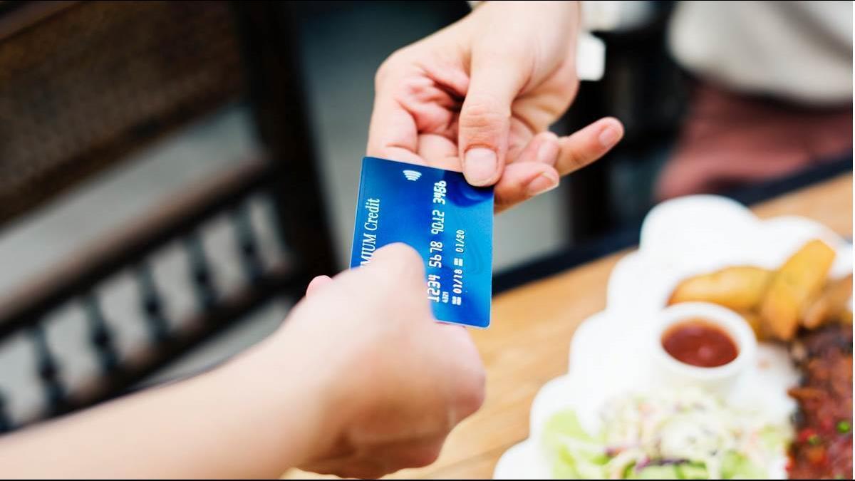 信用卡帳單遲繳被罰免驚?4狀況銀行要退你錢