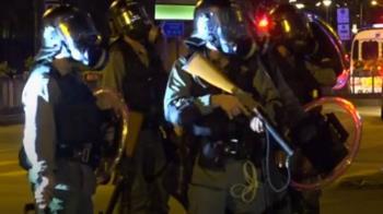 香港三罷警民衝突 少女疑遭扯內褲