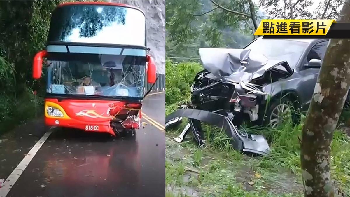 驚!阿里山公路撞遊覽車 休旅車彈飛險墜山坡