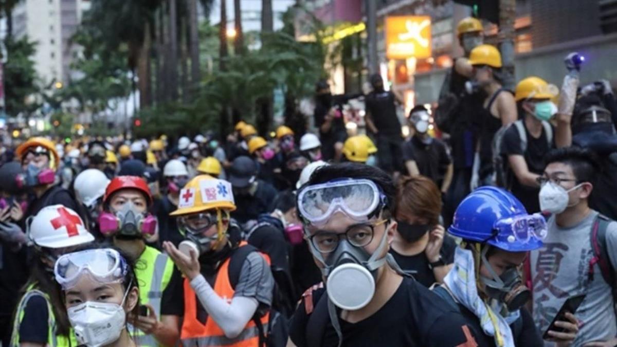 香港醫護批港警重演六四 12日起無限期罷工