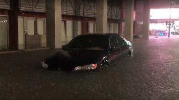 雨彈炸中南11縣市!台南水淹輪胎高 積水超過20cm