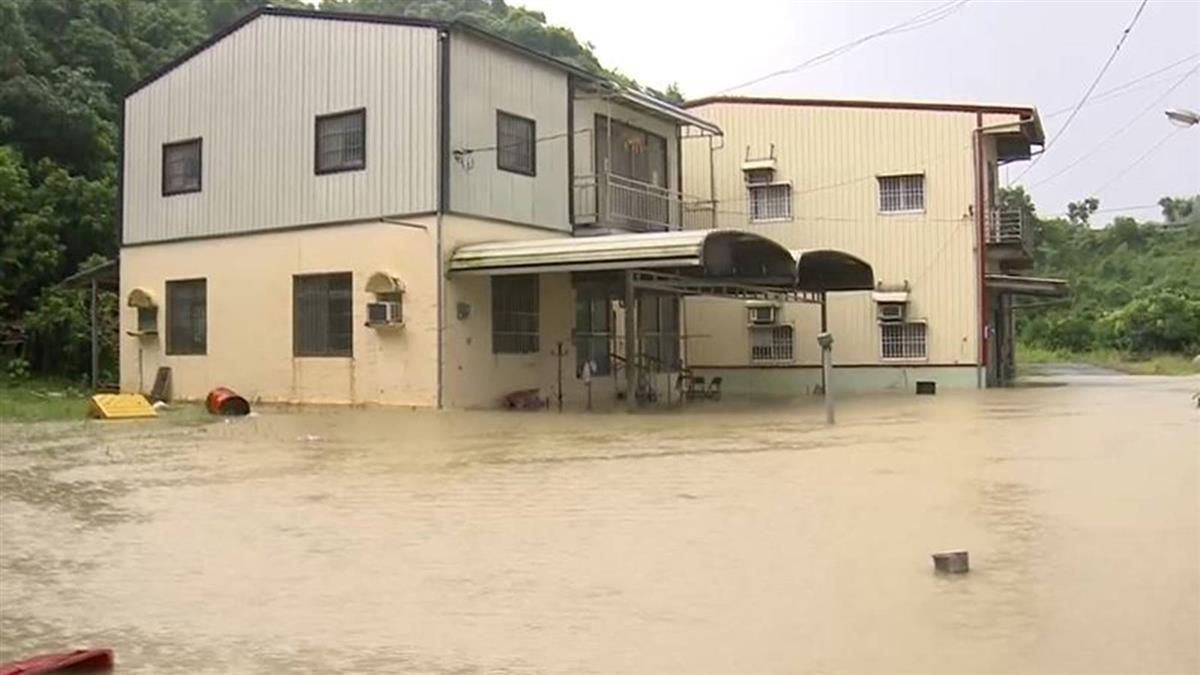 仁溪暴漲、地勢低! 田寮西德里淹70公分