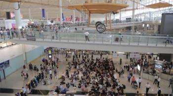 香港機場獲法庭禁制令!今早恢復運作 班機陸續起飛