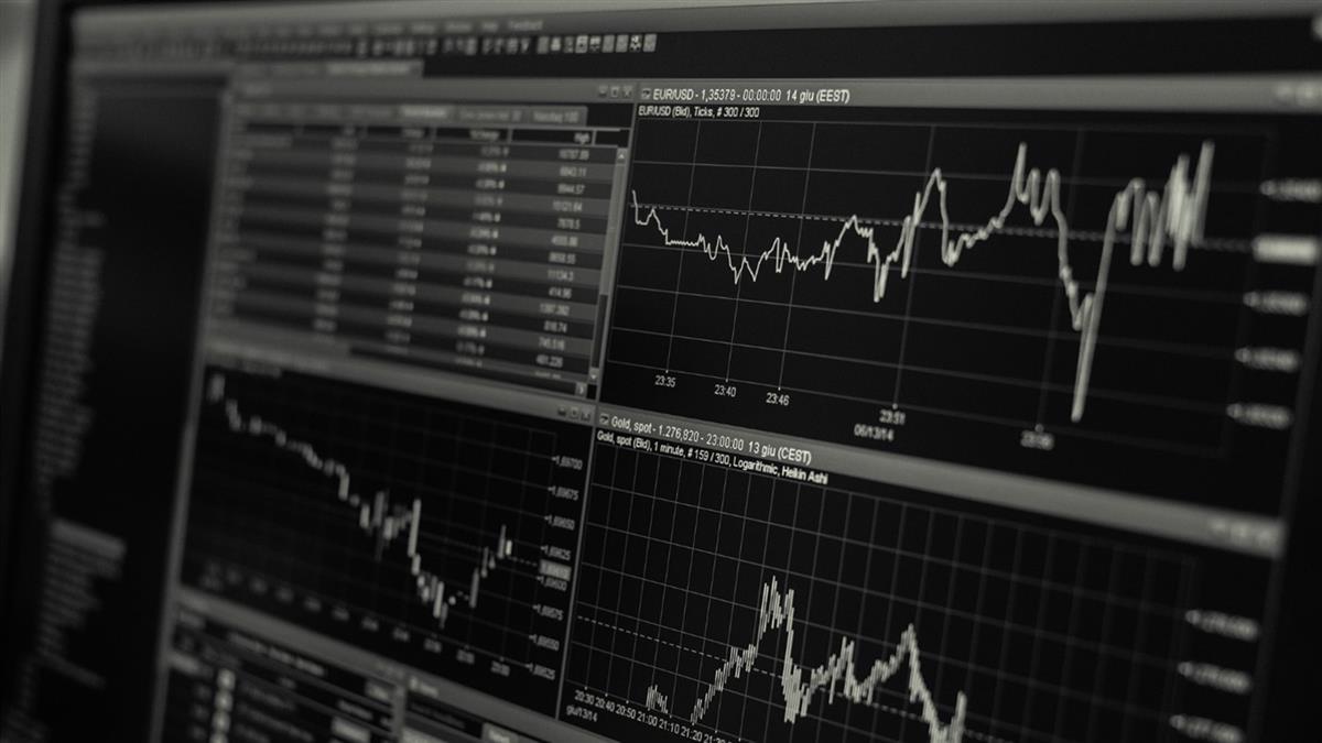 債市現經濟衰退凶兆!美股道瓊指數暴跌800點