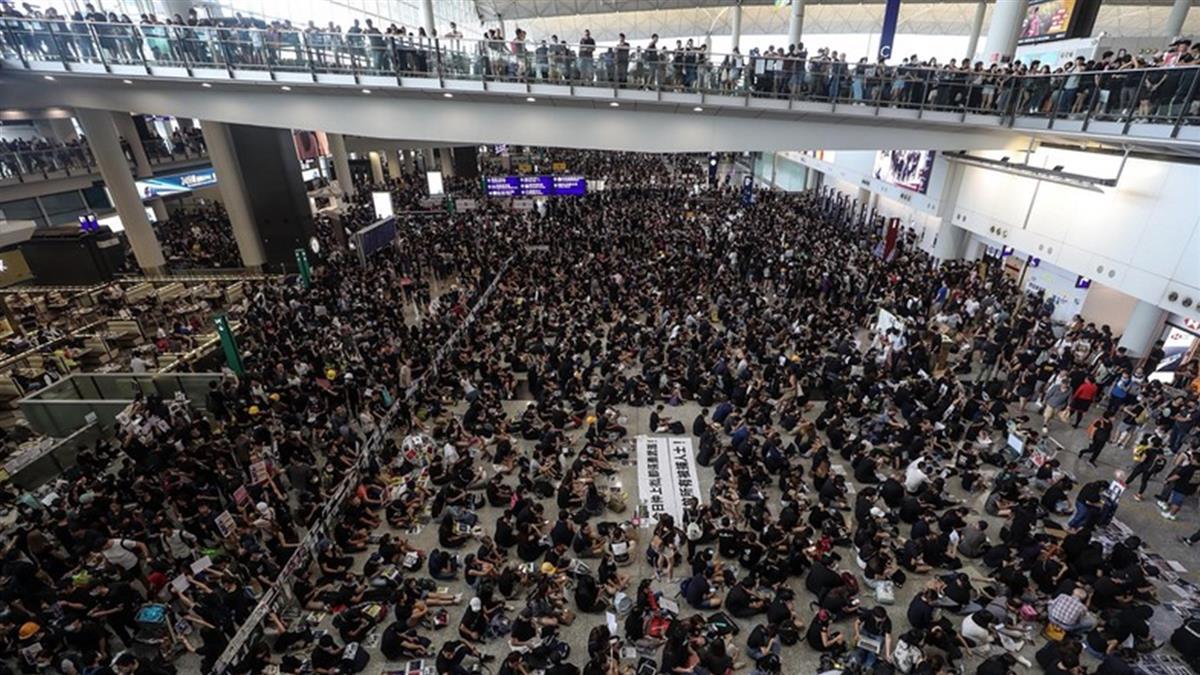 傳大陸武警集結香港邊境  美國務院深感憂慮