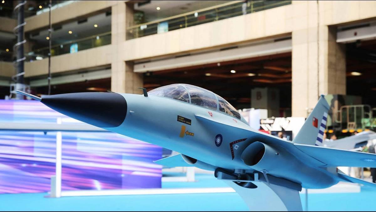 國機國造係金A!首架新式高教機9月26日出廠