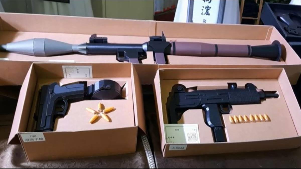 AK47、火箭砲超逼真! 精緻紙紮客製化要價不斐