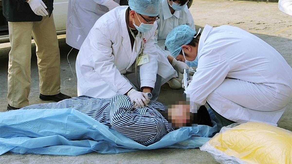 摔車以為沒事!25歲男放鬆大笑…秒悲劇