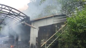 苗栗煙火工廠爆炸!火勢猛烈 2人受傷送醫