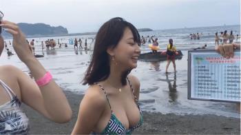 乳量不科學!櫻花妹奶頂手機爆紅 身分遭起底