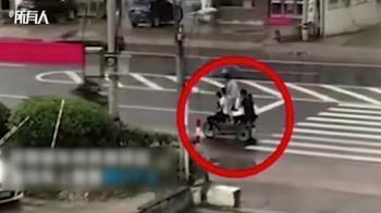 疊羅漢坐法?9人擠三輪車超載上路被警攔