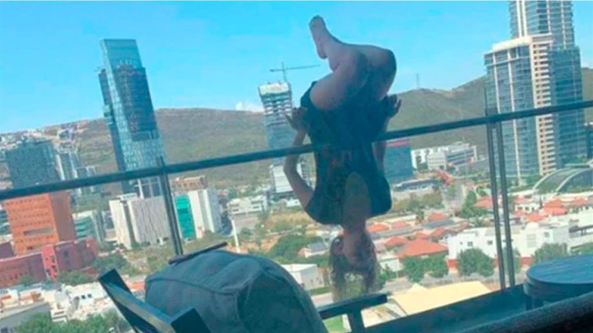 炫技!女陽台倒掛拍照 下秒慘墜8樓全身骨折
