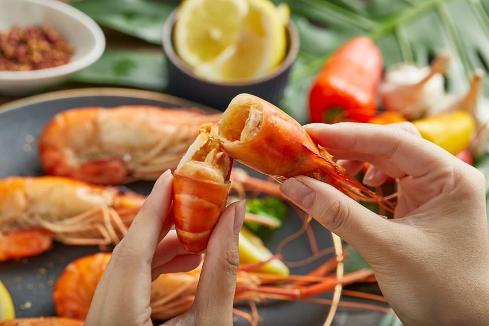 這家泰國蝦,被譽為蝦界的賓士! 中秋烤蝦要提前一個月下單,上千斤泰國蝦排隊等出貨