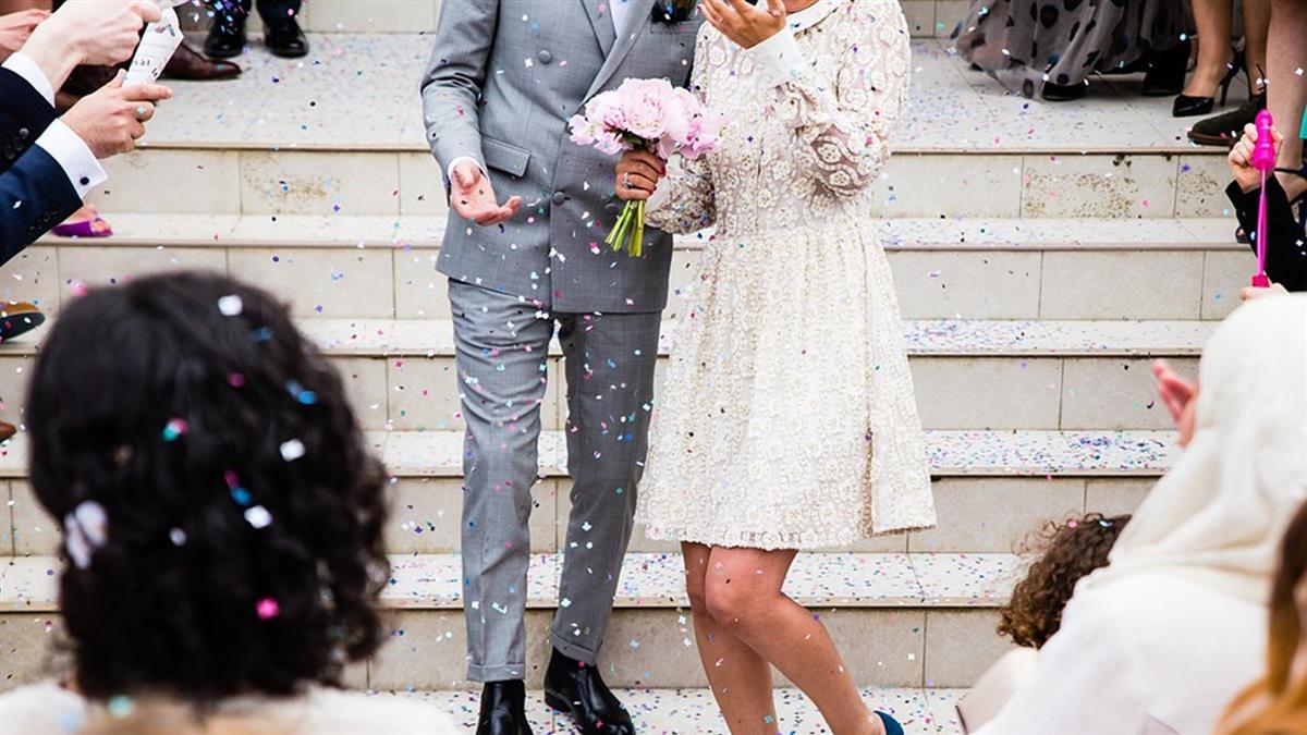 參加不熟同學婚禮!他包3千6 竟被問:有沒有包?