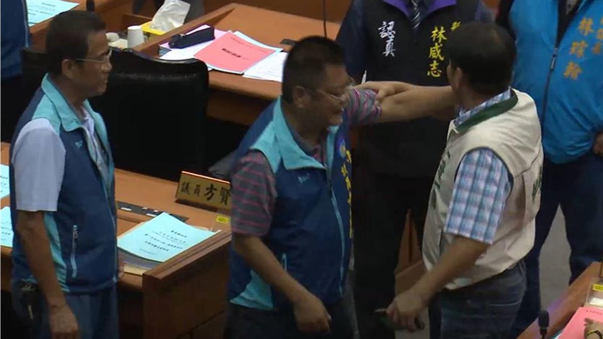 不滿「愛喝酒才短命」發言 原民籍議員拍桌反嗆抗議