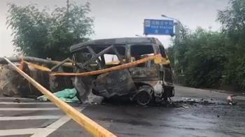 快訊/台74小貨車失控自撞!警消救出已成焦屍…
