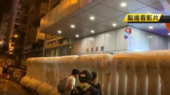 每晚必去鬧一下!旺角警署成抗議者打卡聖地