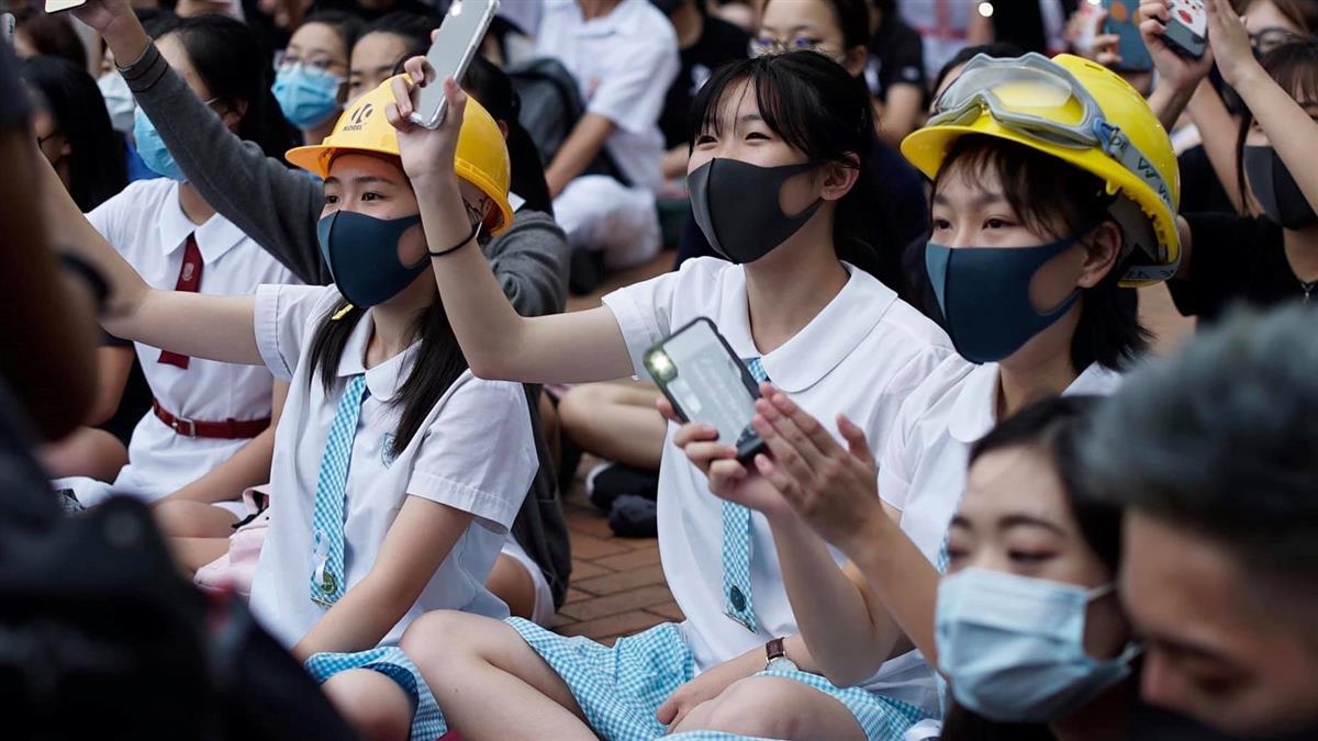 罷課反送中!香港中學生首週約1.6萬人參與