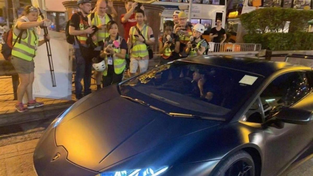 香港示威直擊郭富城 開藍寶堅尼微笑曝苦衷