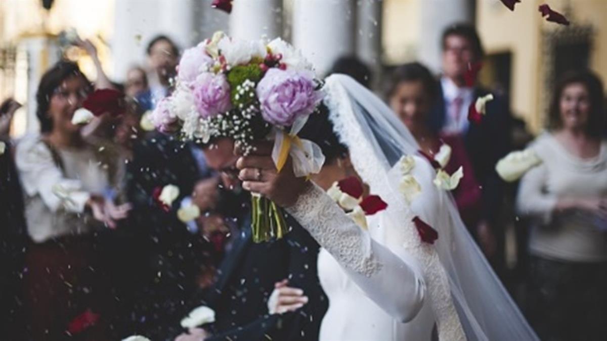 穩交3年求婚成功!女友突去世…他心碎身亡