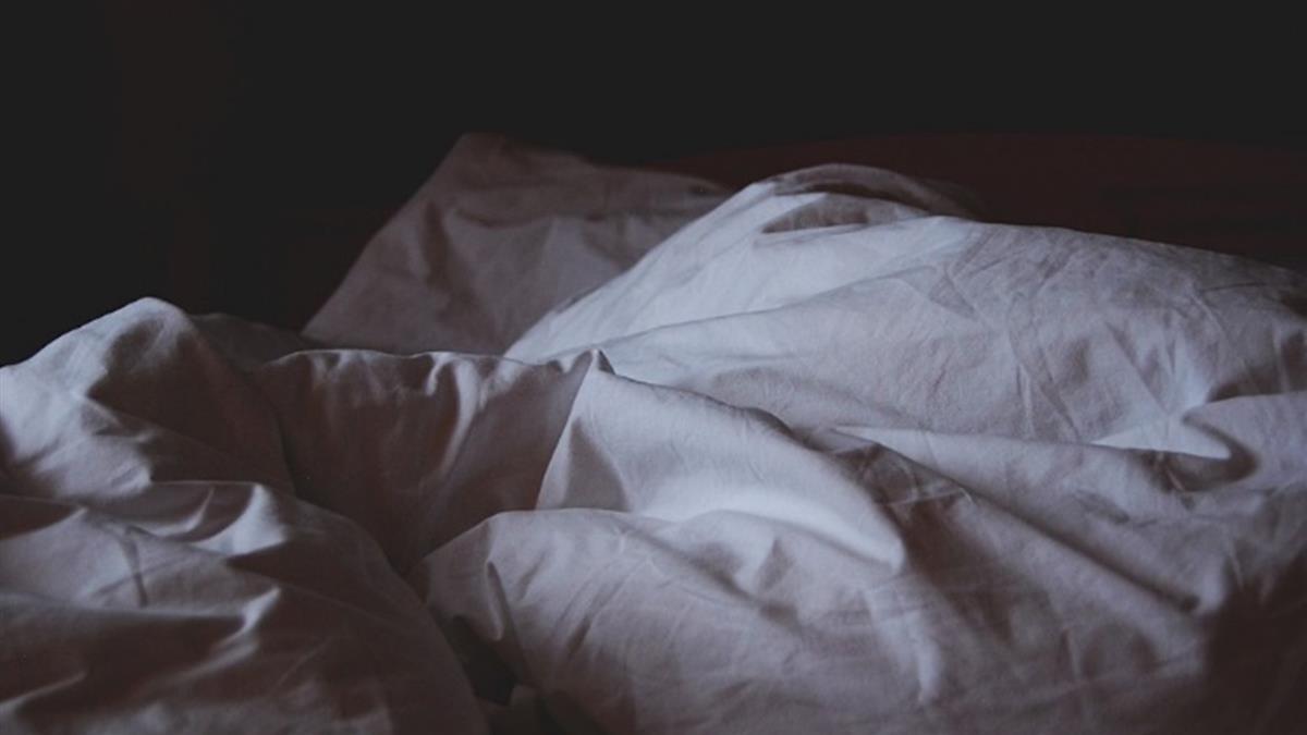 睡到大哥女人…衰男還沒脫先噴12萬 結局逆轉!
