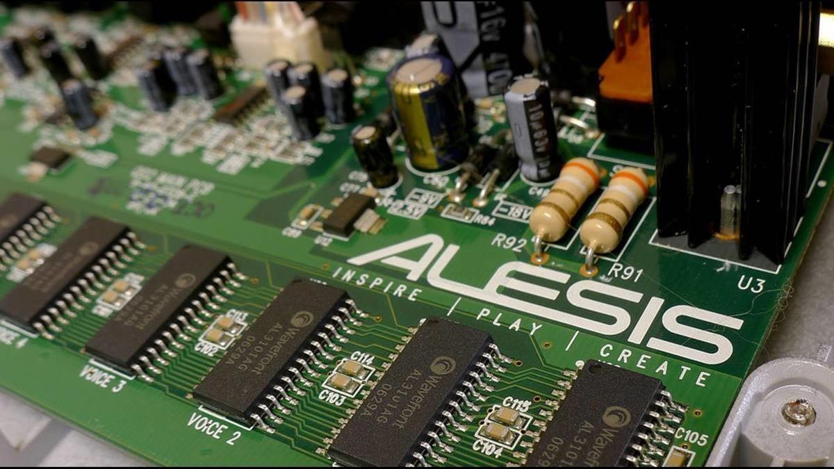 紫光搶進DRAM產業!十年海投3.5兆