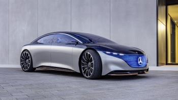 未來與古典先後露面!賓士Vision EQS揭露電動車未來