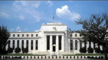 Fed內部對未來利率走向高度分歧!暗示年底不降息